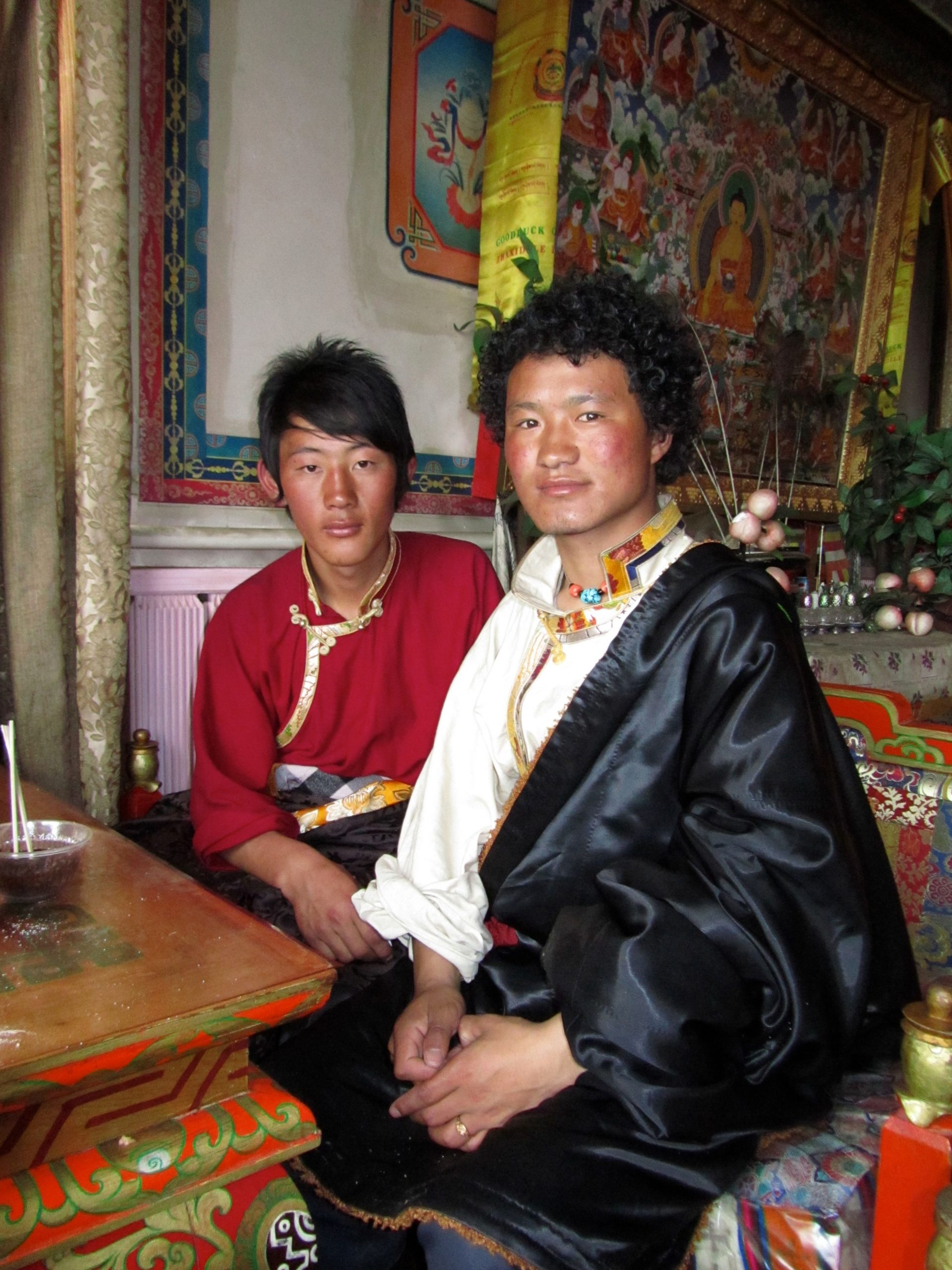 My gracious and impromtu guides, Serxu monastery, Amdo