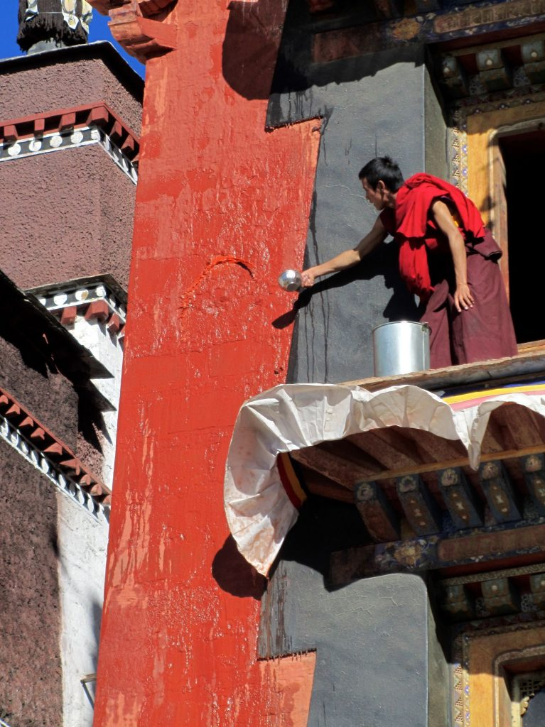 Red-washing Tashilunpo, U